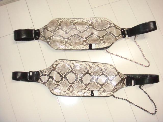 ダイヤモンド・パイソン(にしき蛇革)ボディバッグ